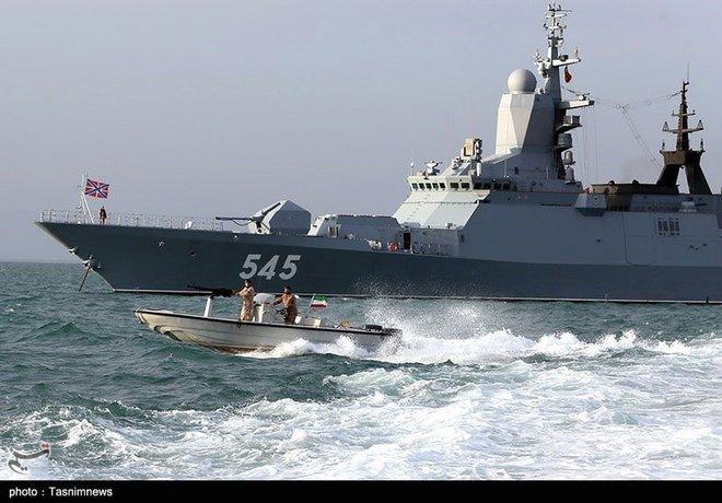 Israel họp khẩn cấp về Syria - Tàu chiến Nga-Iran rầm rộ tập trận trên vịnh Ba Tư - Ảnh 3.