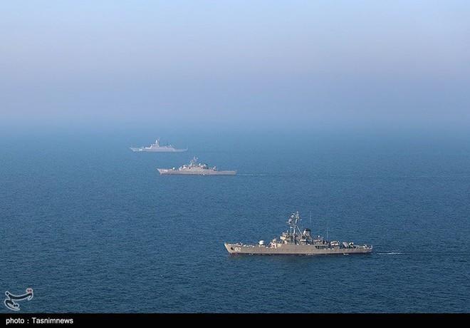 Israel họp khẩn cấp về Syria - Tàu chiến Nga-Iran rầm rộ tập trận trên vịnh Ba Tư - Ảnh 4.
