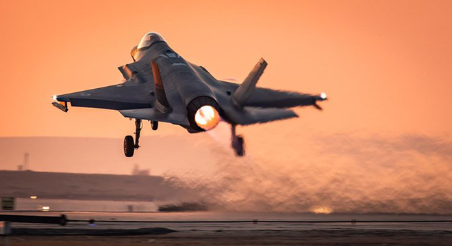 """Israel họp khẩn cấp về Syria, đe dọa hành động quân sự với Tehran - Tàu chiến Nga-Iran """"phủ kín"""" vịnh Ba Tư - Ảnh 4."""