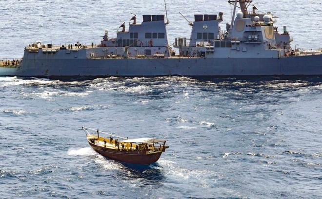 """Israel họp khẩn cấp về Syria, đe dọa hành động quân sự với Tehran - Tàu chiến Nga-Iran """"phủ kín"""" vịnh Ba Tư - Ảnh 1."""