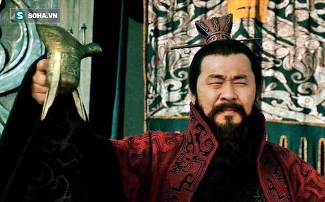 Đánh bại Quan Vũ, võ tướng hàng đầu của Tào Tháo chết bất đắc kỳ tử dưới ngòi bút của La Quán Trung - Ảnh 4.