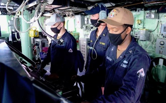 Mỹ đẩy mạnh thách thức các đảo mà Trung Quốc tự nhận vơ ở Biển Đông - Ảnh 1.