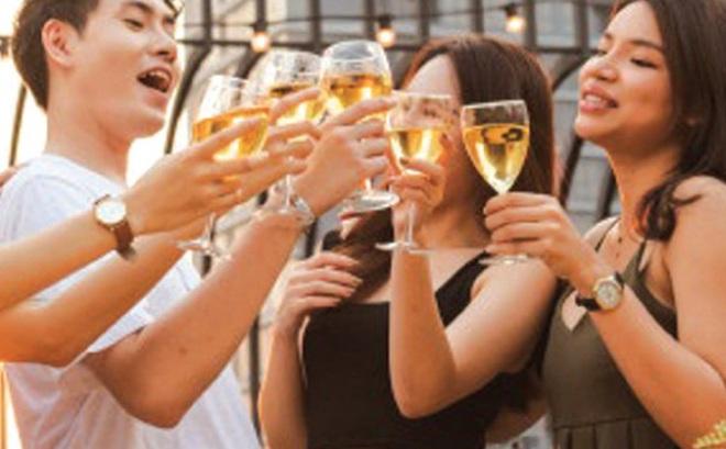 """Ngày xuân nói chuyện rượu, tim mạch và """"thú vui trần thế"""""""