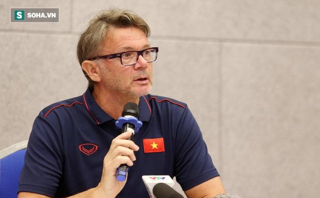 """""""Phù thủy trắng"""" Troussier xóa bỏ ảo tưởng về World Cup, đề ra kế hoạch hỗ trợ thầy Park"""