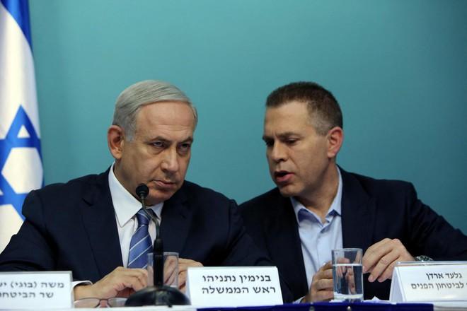 """Israel họp khẩn cấp về Syria, đe dọa hành động quân sự với Tehran - Tàu chiến Nga-Iran """"phủ kín"""" vịnh Ba Tư - Ảnh 2."""