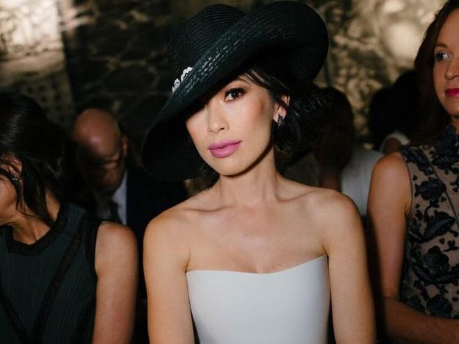 Cuộc sống xa hoa của nữ triệu phú xuất thân hoàng tộc, lấy chồng siêu giàu - Ảnh 1.