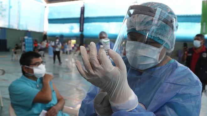 Quan chức Peru lạm quyền tiêm chui vaccine COVID-19 của TQ, muối mặt từ chức sau khi bê bối vỡ lở - Ảnh 2.
