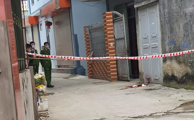 Nguyên nhân vụ chồng chém chết vợ trước cửa nhà mùng 5 Tết ở Hà Nội