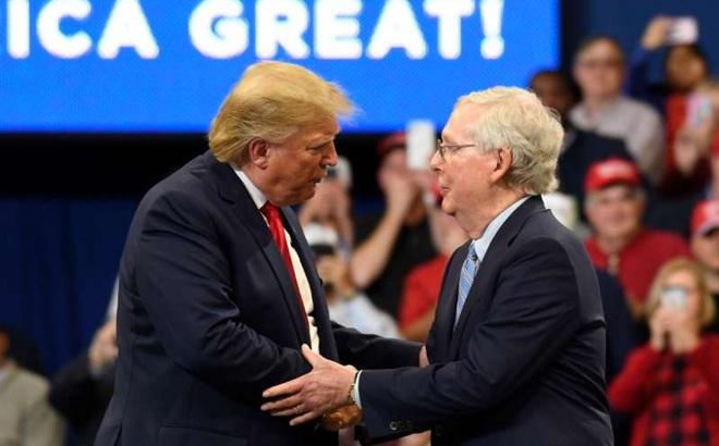 """Trump-McConnell không ai chịu ai: """"Cơn đau đầu"""" của đảng Cộng hòa"""