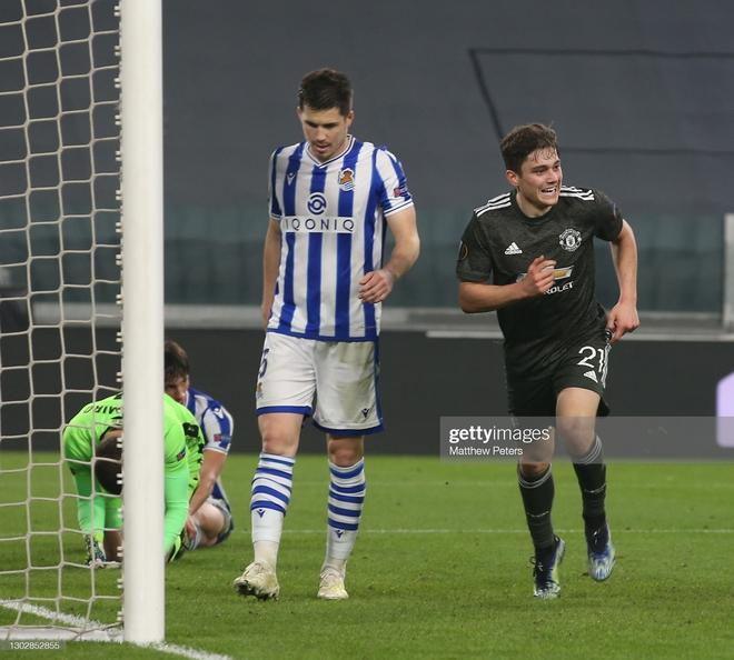 Man United phá dớp bằng cơn mưa bàn thắng; Gareth Bale mang nụ cười trở lại với Mourinho - Ảnh 2.