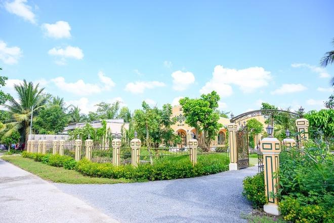 Choáng ngợp biệt phủ rộng gần 14.000 m2 của quản lý Hồ Ngọc Hà - Ảnh 2.