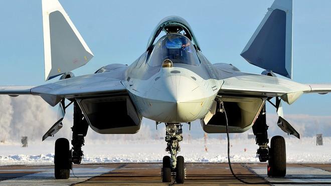 Màn chào hàng gây sốc của Nga: Hàng nóng Brahmos II lên Su-57? - Ảnh 1.