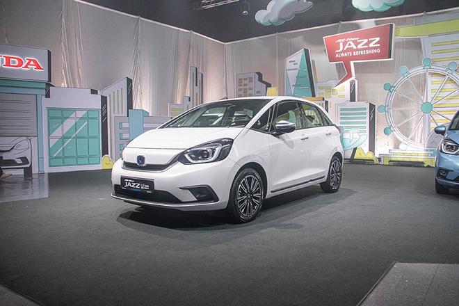 Honda Jazz thế hệ mới giá đắt ngang Toyota Camry có về Việt Nam? - Ảnh 1.