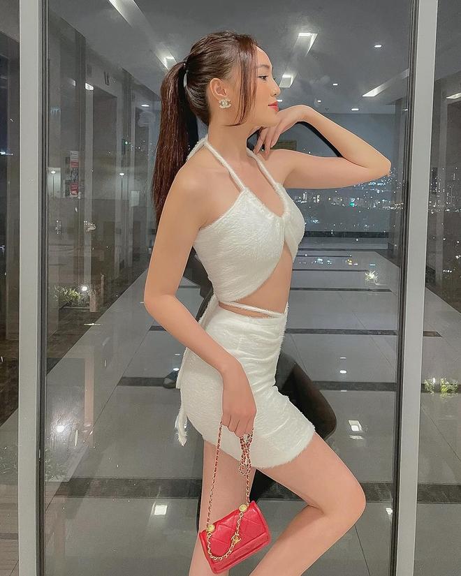 Cách ăn mặc sexy gây chú ý của Ninh Dương Lan Ngọc ở tuổi 31 - Ảnh 4.
