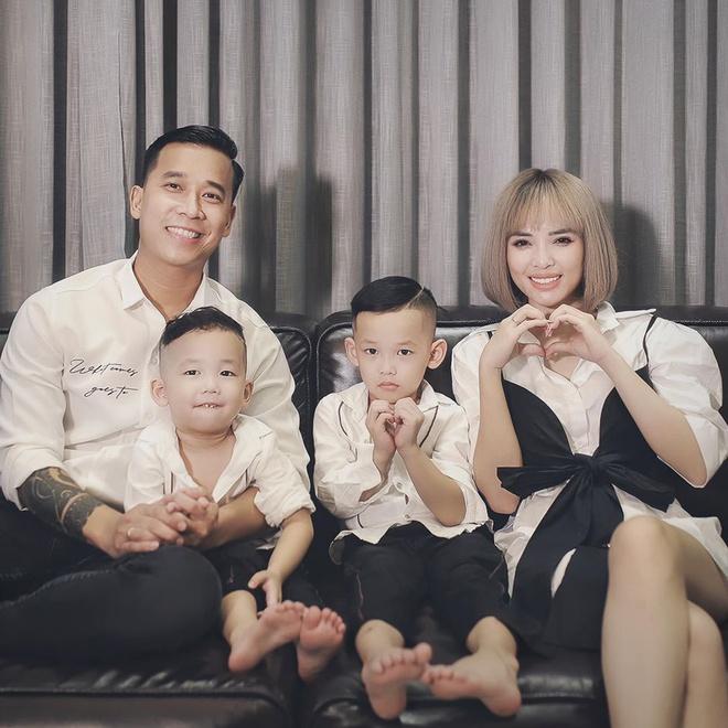 Cuộc sống giàu có, ở biệt thự 40 tỷ của Lê Hoàng The Men và vợ hot girl - Ảnh 7.