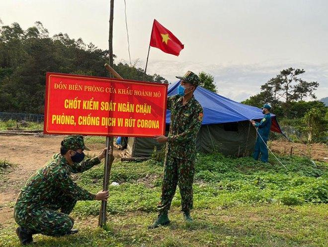 Tướng Võ Văn Tuấn: Quân đội kích hoạt trạng thái như thời chiến để chống dịch là chuyện chưa từng có tiền lệ - Ảnh 3.