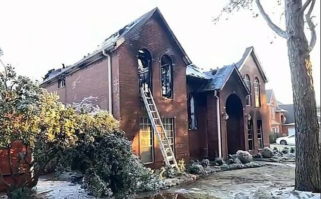 Mỹ: Bốn bà cháu chết cháy khi đốt lửa sưởi ấm