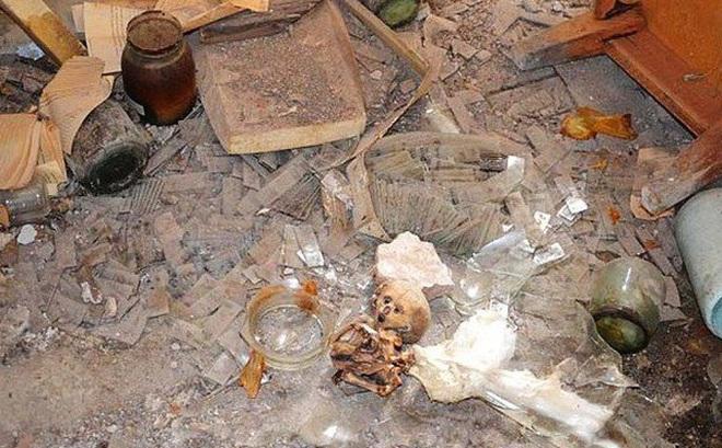 Bí ẩn sau căn nhà hoang chứa xác ướp trẻ sơ sinh
