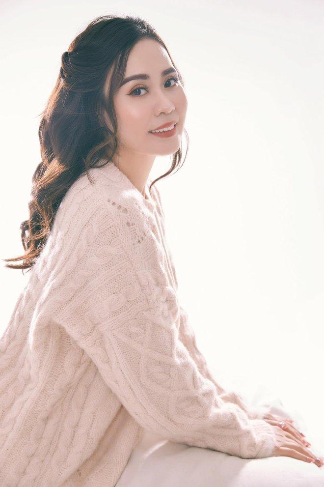 Diễn viên Phan Kim Oanh hóa quý cô sang chảnh - Ảnh 6.