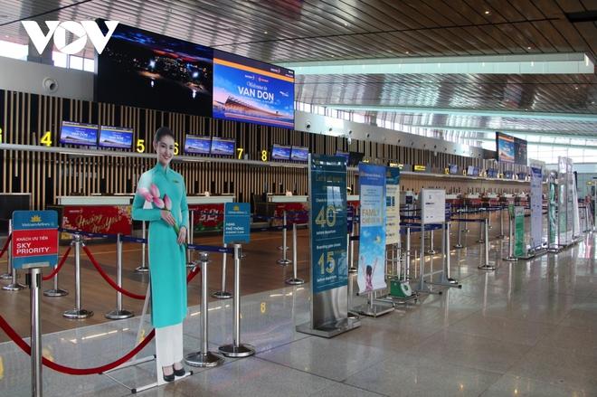 Quảng Ninh sẵn sàng các điều kiện để sân bay Vân Đồn hoạt động trở lại - Ảnh 1.