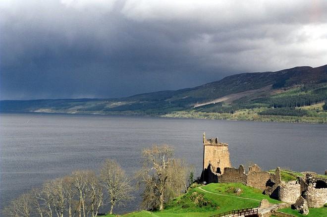 Bí ẩn quái vật hồ Loch Ness: Cuối cùng khoa học cũng có câu trả lời về sự tồn tại của nó - Ảnh 1.