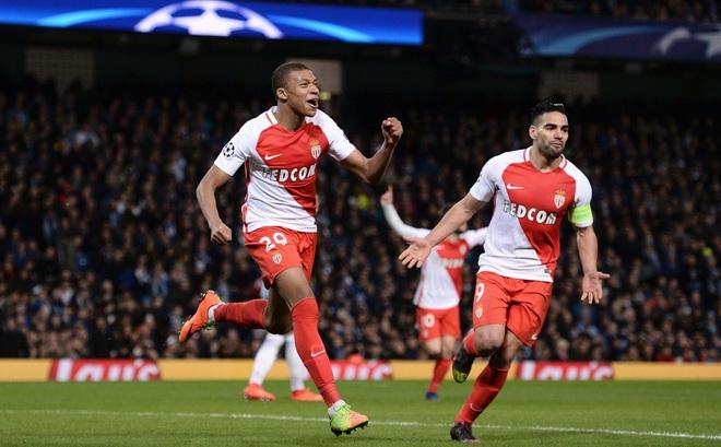 """Ngày này năm xưa: Mbappe """"bước ra ánh sáng"""" ở Champions League"""