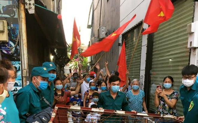 Người Sài Gòn vui mừng được gỡ phong tỏa vì COVID-19