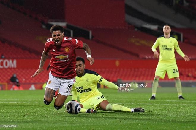 Tiến sĩ 23 tuổi đưa Man United đến chiến thắng; Pep Guardiola cho Arsenal nếm mùi tuyệt vọng - Ảnh 3.