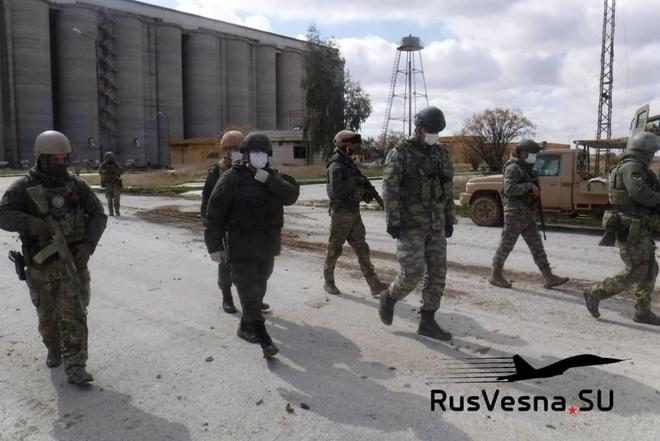 Đột ngột rút khỏi 2 cứ điểm ở đông bắc Syria, Nga tính đổi chác gì với người Thổ? - Ảnh 8.