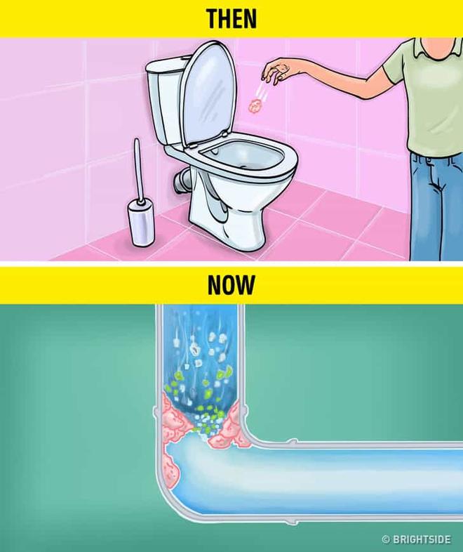 8 thứ bạn không nên vứt vào bồn cầu: Bạn cho rằng xả nước là xong ư, không đâu! - Ảnh 1.
