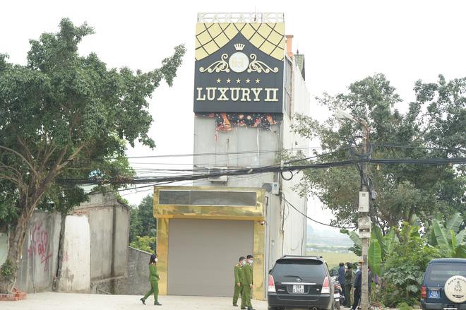 Xác định danh tính nghi phạm đâm 3 người chết, 3 người bị thương ở Hoà Bình - Ảnh 1.