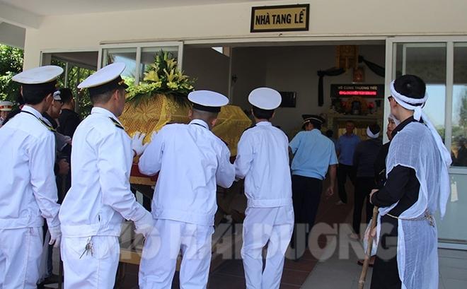 Hải Phòng khuyến khích tố giác người từ Hải Dương về không khai báo y tế; Phong tỏa 1 bệnh viện, 1 thôn sau khi nữ điều dưỡng dương tính với SARS-CoV-2 - Ảnh 2.