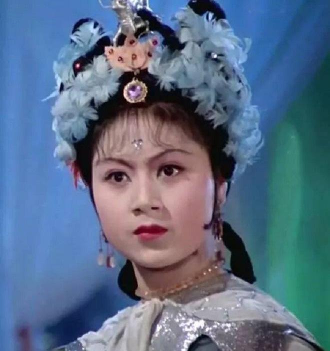 Nữ diễn viên đắt giá nhất Tây Du Ký, chỉ đóng 180 giây nhưng được đạo diễn thuê máy bay đón - Ảnh 4.