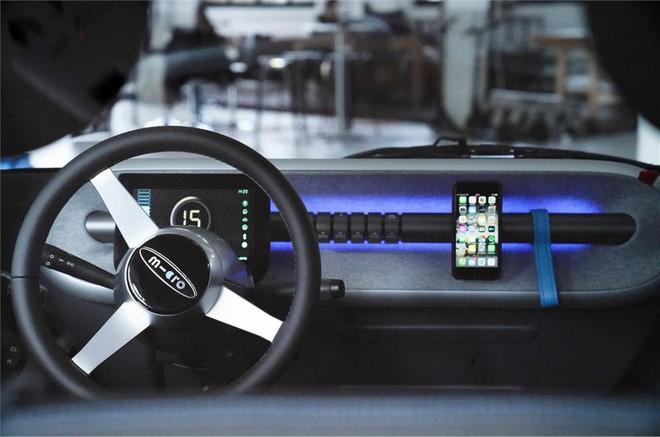 Cận cảnh chiếc ô tô điện 2 chỗ giá rẻ lấy cảm hứng từ xế hộp hạng sang BMW - Ảnh 1.