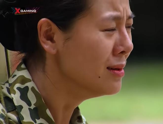 Nam Thư bật khóc nức nở: Tôi ám ảnh vì chứng kiến tai nạn trên sân khấu - Ảnh 3.
