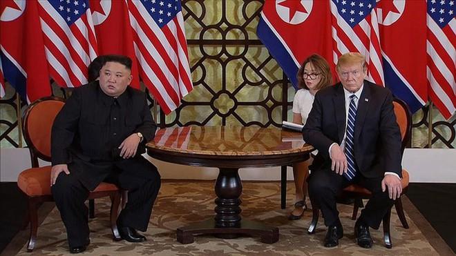 Tiết lộ mới: Ông Trump từng đề nghị cho ông Kim đi nhờ chuyên cơ từ Việt Nam về Triều Tiên - Ảnh 3.