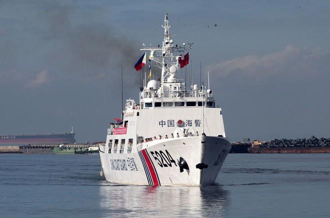 """Tàu hải cảnh TQ xua đuổi tàu Nhật Bản: Đòn """"nắn gân"""" ông Biden? - Ảnh 1."""