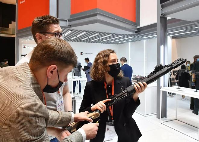 Nga khoe vũ khí gì mới tại triển lãm IDEX-2021 ở UAE? - Ảnh 2.