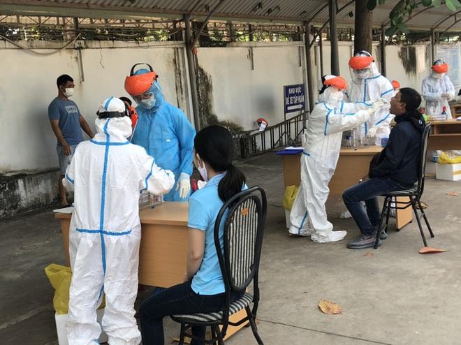 Thuyền viên nước ngoài tử vong trên tàu, Vũng Tàu xét nghiệm phát hiện 5 người dương tính lần 1 với SARS-CoV-2 - Ảnh 1.