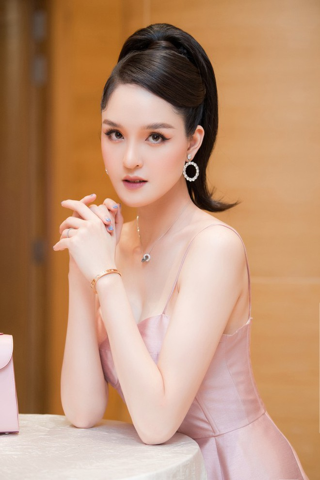Top 3 HHVN 2012: Hoa hậu Đặng Thu Thảo và 2 á hậu đều có hôn nhân viên mãn - Ảnh 17.