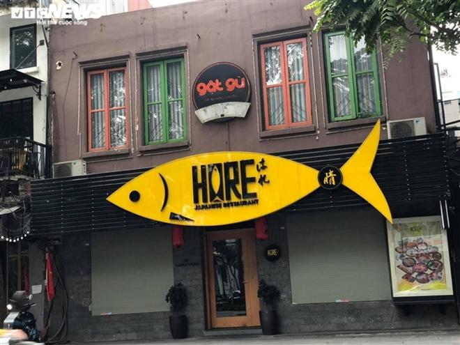 Hàng quán phố cổ Hà Nội nghỉ Tết kéo dài, khách sạn rao bán la liệt bằng tờ rơi  - Ảnh 17.
