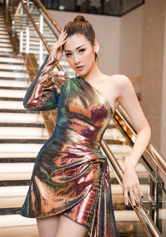 Top 3 HHVN 2012: Hoa hậu Đặng Thu Thảo và 2 á hậu đều có hôn nhân viên mãn - Ảnh 9.