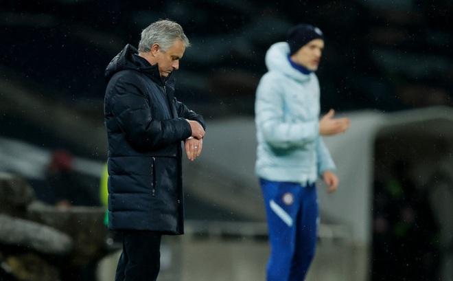 Jose Mourinho, Jurgen Klopp hồi hộp chờ nhận