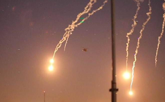 """ĐSQ Mỹ lại hứng tên lửa tại Iraq: Phẫn nộ đỉnh điểm nhưng Washington vẫn """"bình tĩnh"""" lạ thường"""