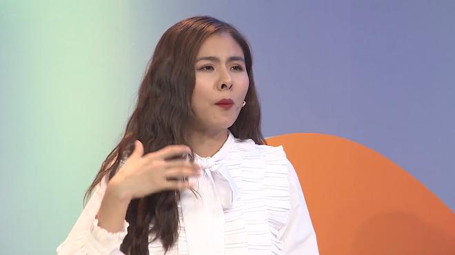 Vân Trang: Tôi sợ ngày mai ra đường không có nổi tiền đổ xăng - Ảnh 1.