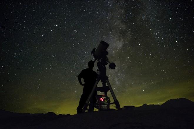 GS Havard: Có thể người ngoài hành tinh chưa ghé thăm Trái Đất vì không thấy con người thú vị, hấp dẫn - Ảnh 5.