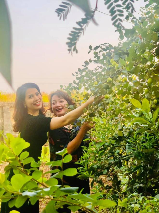 NSND Chí Trung hạnh phúc và bình yên cùng bạn gái kém 17 tuổi về quê - Ảnh 5.