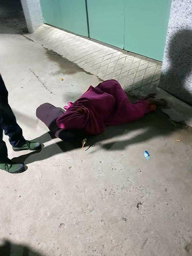 Nửa đêm, thấy một người cuốn chăn nằm bất động trên đường: Tưởng tình huống xấu hoá chuyện hài của năm - Ảnh 1.