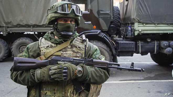 """Ukraine quyết tái chiếm Donbass: """"Cơn đau đầu"""" của Tổng thống Putin! - Ảnh 1."""
