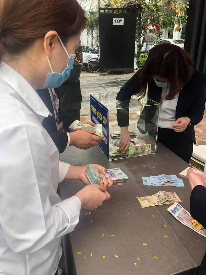 Hơn 2 tiếng kêu gọi ở Hà Nội, ông Đoàn Ngọc Hải nhận hơn 110 triệu đồng xây nhà cho người nghèo - Ảnh 1.